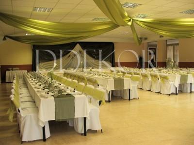 Kecskeméti Hírös Vendégház esküvői dekoráció, zöld organzával