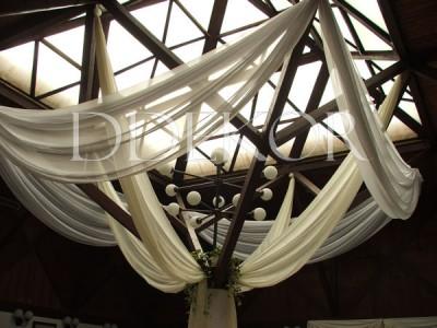 ASE Étterem Paks mennyezet ekrü és fehér selyemmel