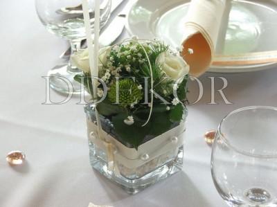 Élővirágos asztaldísz