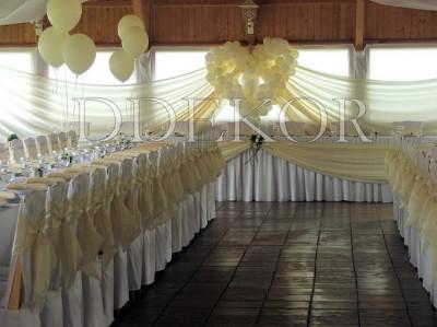 Léggömb dekoráció székhuzattal