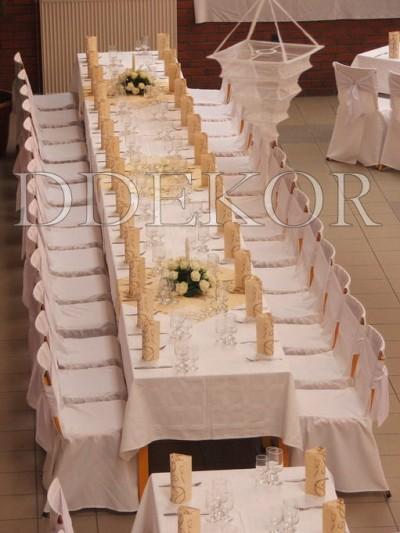 Tökéletes esküvő, székhuzat fehér masnival